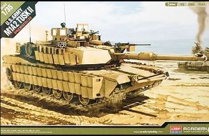 Academy - M1A2 Tusk II - 1/35