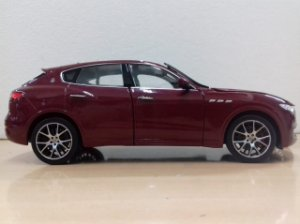 Welly - Maserati Levante - 1/24