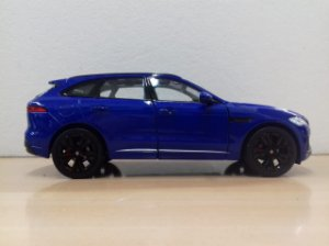 Welly - Jaguar F-Pace - 1/24