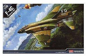 "ACADEMY F-4C ""VIETNAM WAR"" - 1/48"