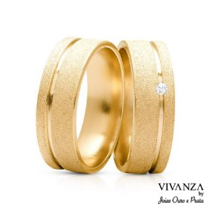 Aliança Diamantada Com Pedra Banhada Ouro 24k Anatômica (Unidade)