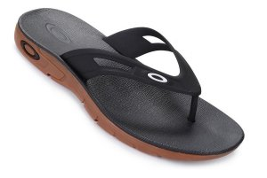 Chinelo OAKLEY Preto e Marrom - OPERATIVE