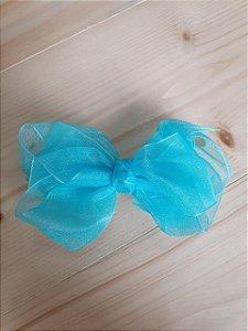 Laço sobreposto azul claro
