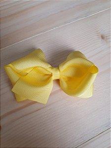 Laço duplo amarelo