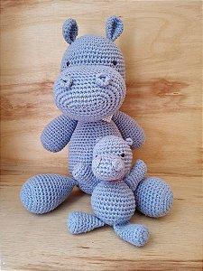 Brinquedo Amigurumi hipopótamo - Morango Chá