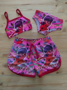 NOVO Conjunto  Shorts + Biquíni Lady Bug - 12-18 meses