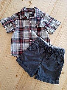 Conjunto camiseta manga curta xadrez + shorts cinza - OshKosh 18 meses