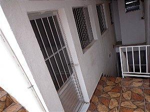 Aluga-se Casa, 3 cômodos+ Banheiro e Área de serviço, aceita seguro fiança ou depósitos, R$500,00