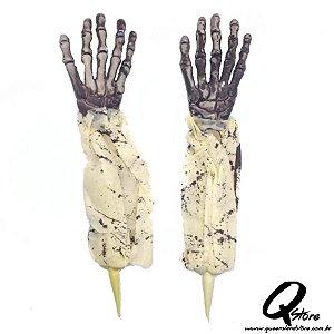 Mão Esqueleto para decoração de Jardim