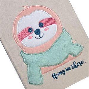 Caderno com capa de pelúcia - bicho preguiça