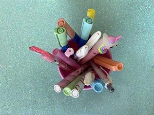 Porta lápis recheado de itens lindos! Rosa!