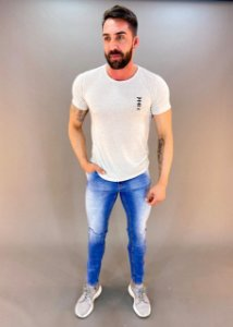 Camiseta Masculina Agathos