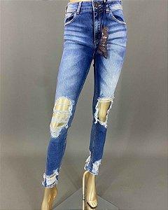 Calça Jeans Desfiada com a Barra Rasgada John John