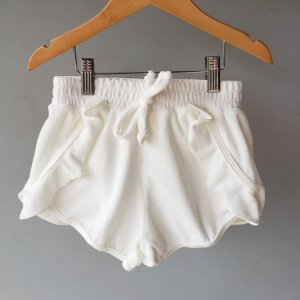 Shorts Plush babado branco