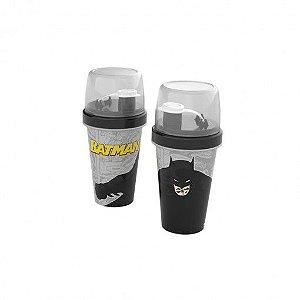 Mini Shakeira de Plástico 320 ml com Misturador Fechamento Rosca e Sobretampa Articulável Batman - Plasutil