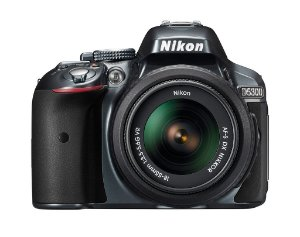 NIKON D5300 C/ LENTE 18-55MM VR