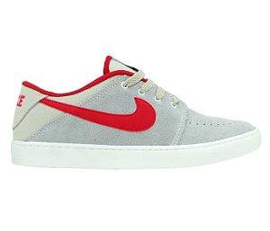 5926ab8176 Tênis Nike Suketo Leather Couro Cinza e Vermelho