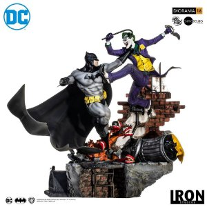 RESERVA: Batman Vs Joker Battle Diorama 1/6 - DC Comics by Ivan Reis