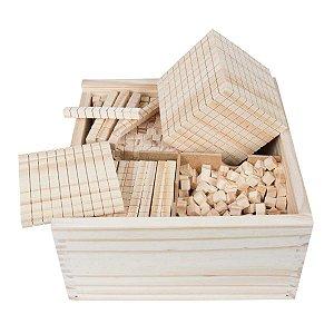 Material Dourado  611 peças em madeira com caixa