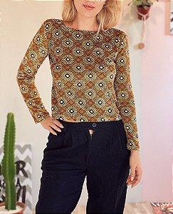 Suéterzinho vintage em veludinho