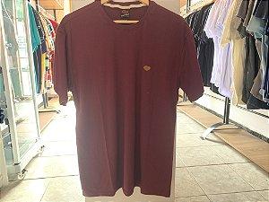 Camiseta masculina roxa  G