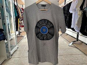 Camiseta masculina cinza GG