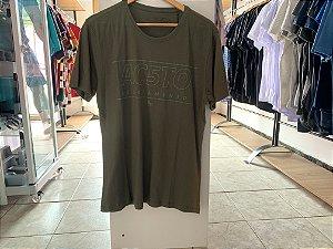 Camiseta masculina acostamento verde