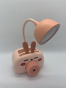 Luminária com Porta Lápis e Apontador Coelho.