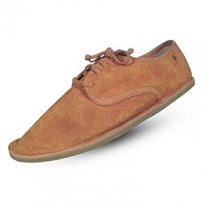 Sapato em couro camurça parô  cor camel