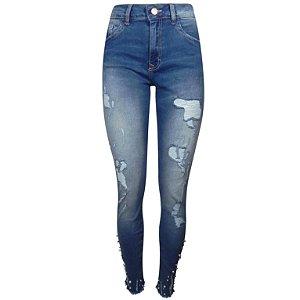 Calça jeans cigarrete destroyed com pérolas bali lez a lez