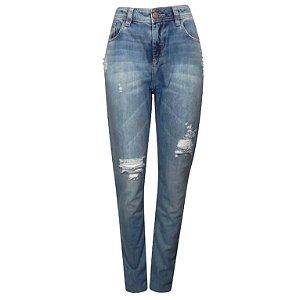 Calça jeans boyfriend fit bia destroyed scalon