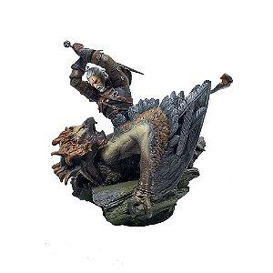 Estátua The Witcher 3: Wild Hunt (Geralt Vs Griffin)
