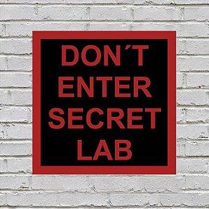 Placa de Parede Decorativa: Secret Lab