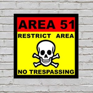 Placa de Parede Decorativa: Area 51