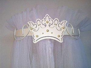 Dossel Largo Arabesco Branco Com Coroa Para Quarto De Bebê