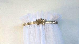 Dossel Coroa Fino Dourado Decorado Com Pérolas + Véu Mosquiteiro Em Tecido Filó