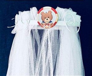 Dossel Arabesco Branco Com Urso Marinheiro Para Quarto De Bebê + Véu Mosquiteiro Em Tecido Tule