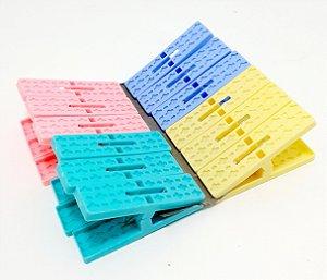 Prendedores Para Roupas de Plástico Com 12 Unid Quadradro - Colorido
