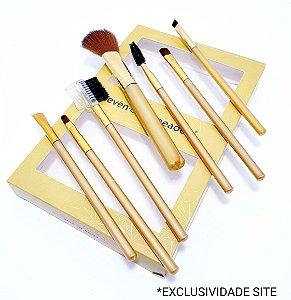 Kit Com 7 Pincéis Para Maquiagem Com Cabo Dourado