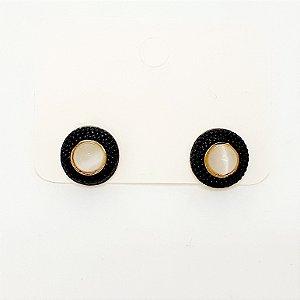Brinco Pequeno Resinado Dourado Com Pérola - REF: PT0290