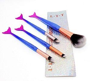 Kit Com 4 Pincéis De Maquiagem Com Cabo Sereia 3D - Rosa E Azul
