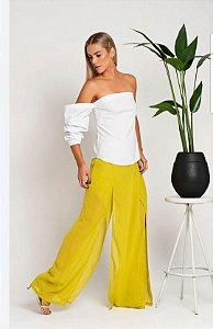 Blusa Camilla Costa manga unica comprida na cor branca