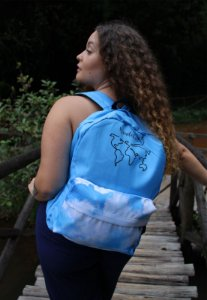 Mochila Escolar Nylon Estampa Divertida Wanderlust Mapa Mundi Azul F001EST