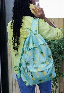 Mochila Escolar Juvenil Grande de Nylon Estampa Divertida Abacaxi Tropical Verde L099-13