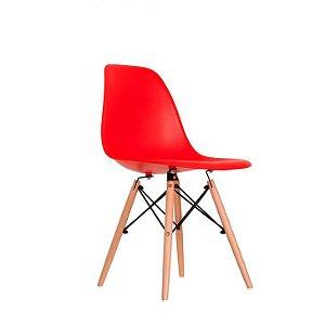 Cadeira Lara com base em madeira