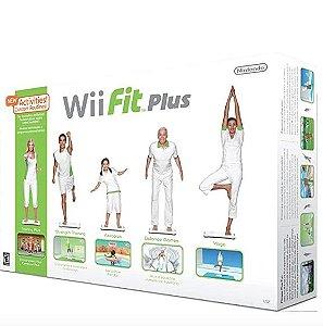 Usado Acessório Balança Wii Fit Plus com Jogo na caixa - Nintendo