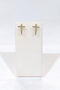 Brinco Folheado a ouro 18k, modelo cruz com zircônias