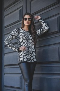 Blusa tricô abstrato