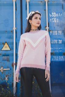 Blusa de tricô com detalhes em pelinho