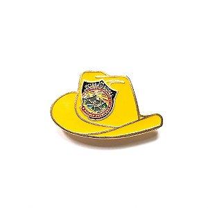 Pin, DSA 2019, chapéu, Amarelo Ocre, Desbravador